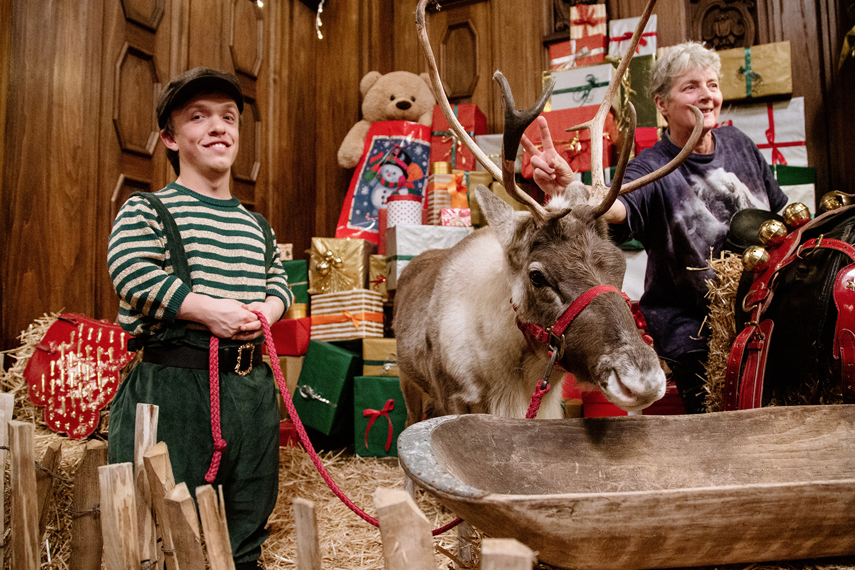 Filmproduktion Imagefilm Werbespot Online Duracell Weihnachtsspot Weihnachtswerkstatt Kulisse Rentier
