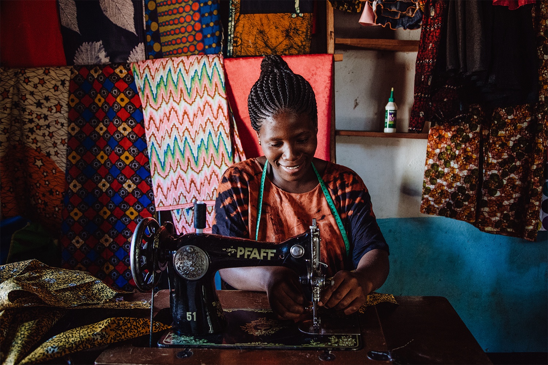 Filmproduktion Imagefilm Afrika Tansania Schneiderin